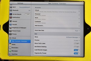 """Select Mail, Contacts, Calendar then tap """"Fetch New Data"""""""