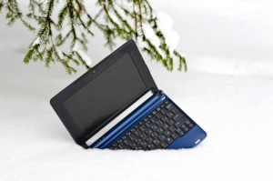 iStock_000011734670XSmall laptop in snow